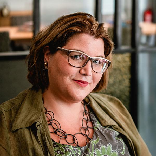 Sara Prinz, Heldinnenbegleiterin und Coach für Frauen und Selbstständige